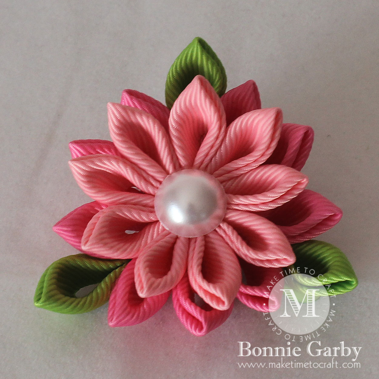 DIY Kanzashi Video Tutorial – Create Petals in Different Sizes with 1-1/2″ Ribbon Squares